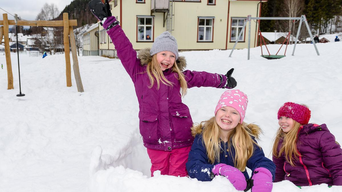 Lek i snø, Odnes skole, Søndre Land