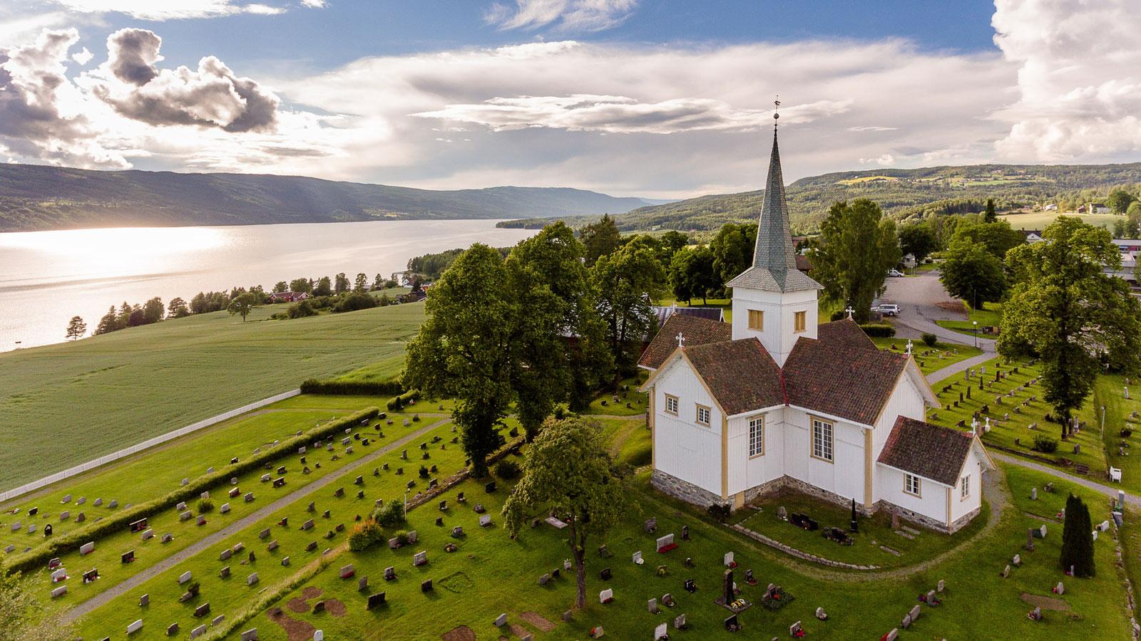 Hov kirke